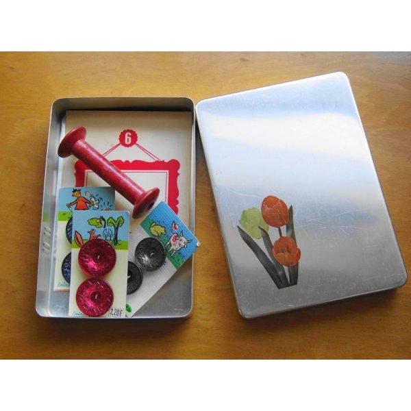 画像1: 昭和レトロ アルミのお弁当箱 チューリップ