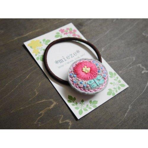 他の写真2: #B04 お花刺繍のフェルトヘアゴム